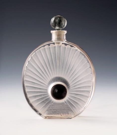 香水瓶「黒真珠」