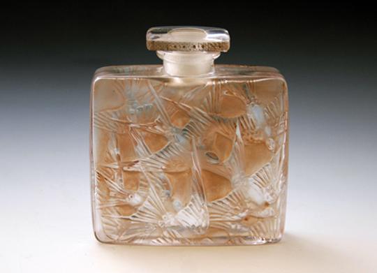 香水瓶「ツバメ」