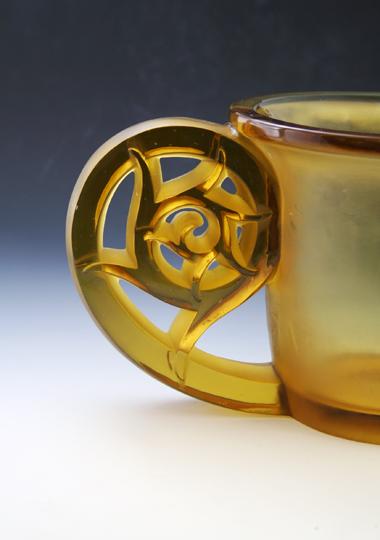 花瓶「ピエールフォン」