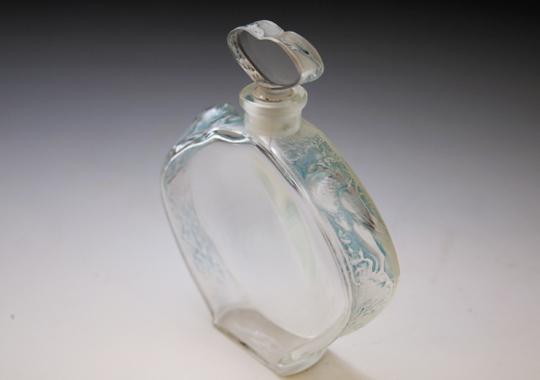 香水瓶「ニオベ」