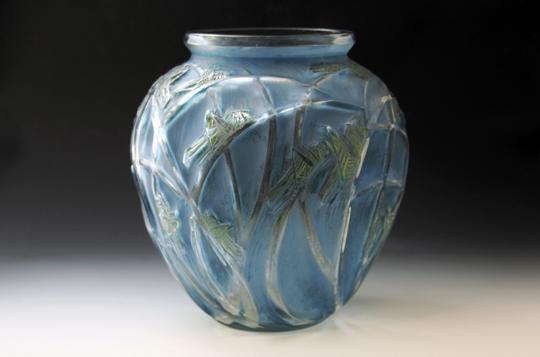 花瓶「バッタ」