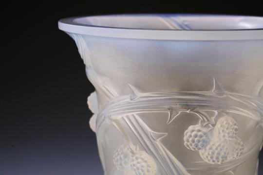 花瓶「ブラックベリー」