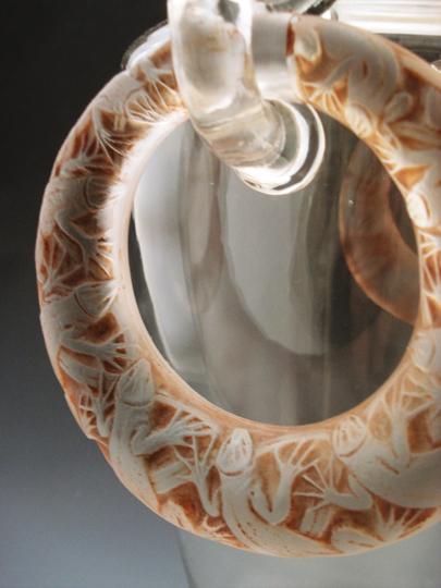 花瓶「2つのリングとトカゲ」