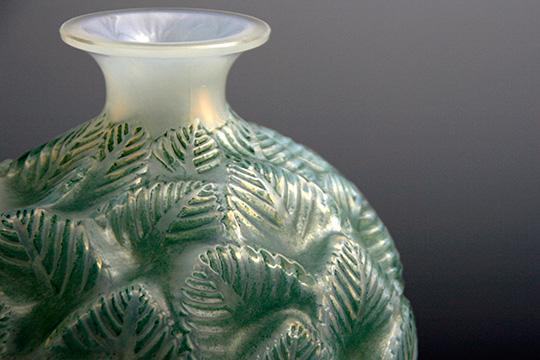 花瓶「オルモー」