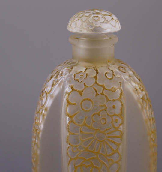 香水瓶「【特別展出品作品】 十字の花飾り」