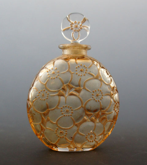 香水瓶「ユリ」