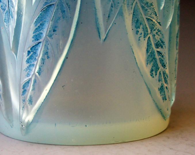 花瓶「ローリエ」