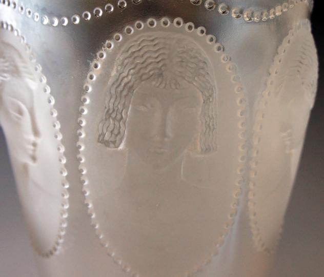 花瓶「メダリオン」