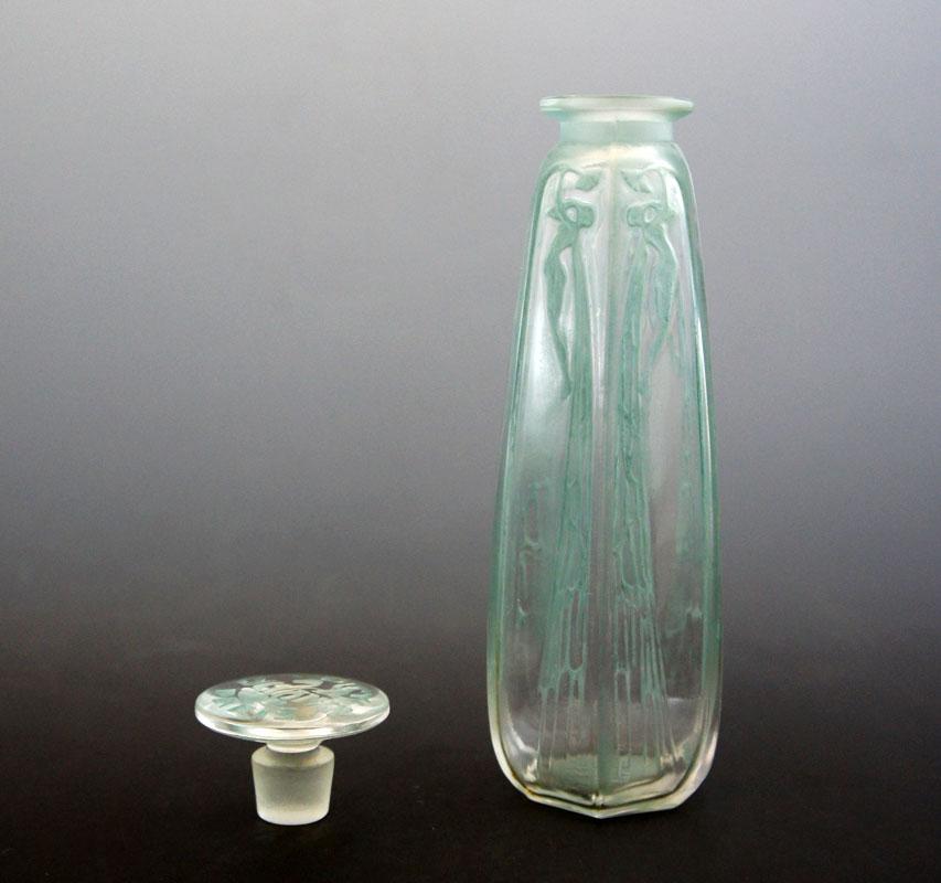 香水瓶「シクラメン」