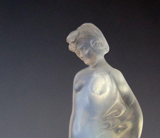 彫像「裸婦」