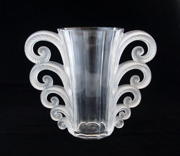 花瓶「ボーヴェ」