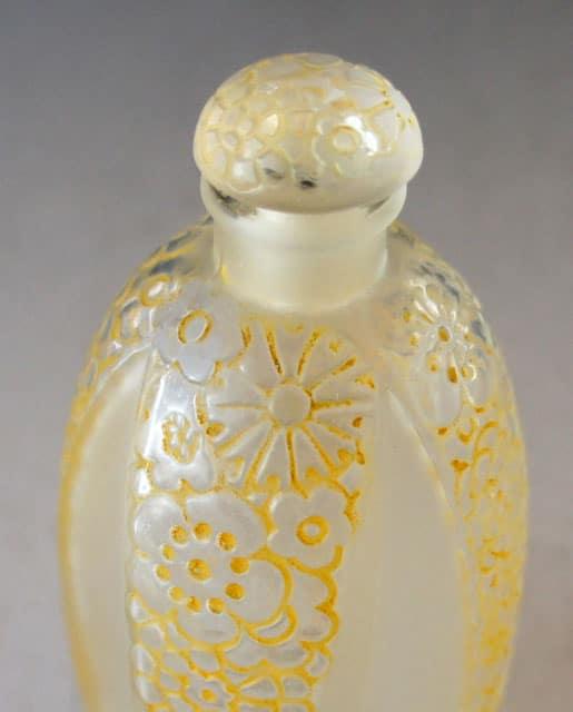 香水瓶「十字の花飾り」