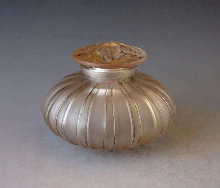香水瓶「パピヨン」
