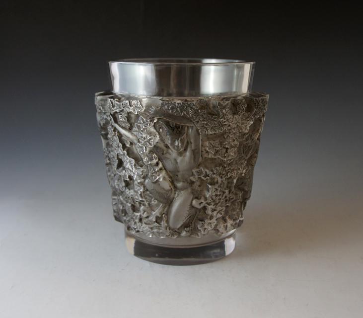 花瓶「バッカス」