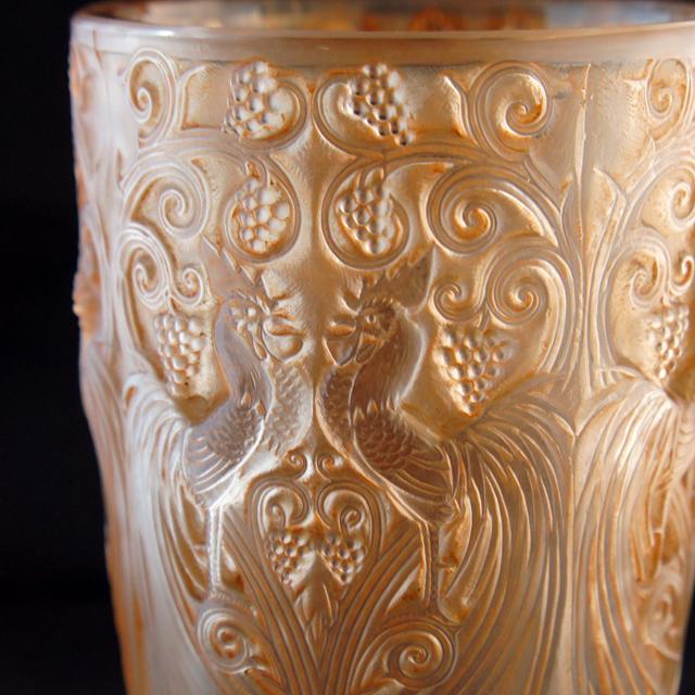 花瓶「鶏とブドウ」