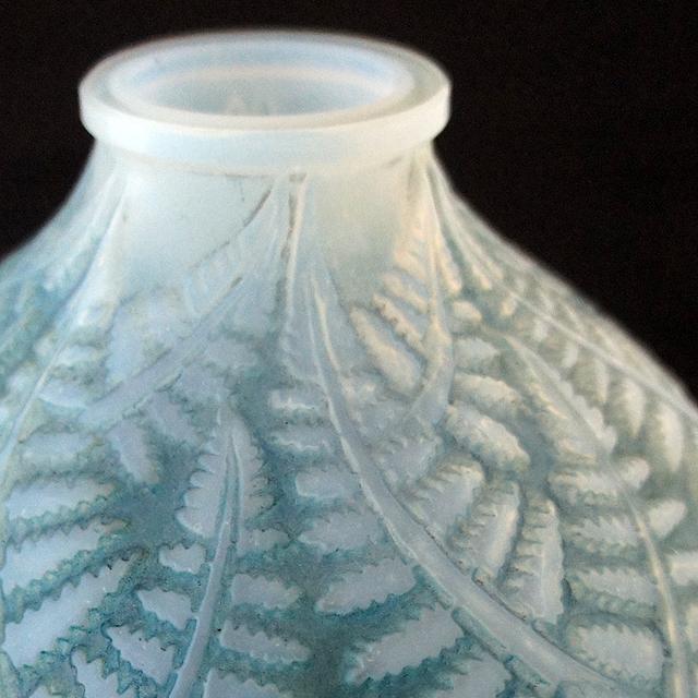花瓶「エスパリオン」