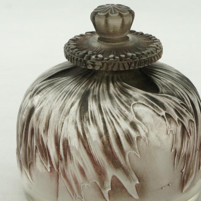 香水瓶「ケシ」